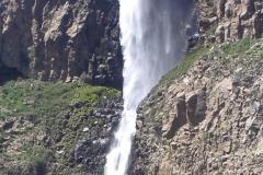 Cascadas del Arcoiris con mucho viento_675x900